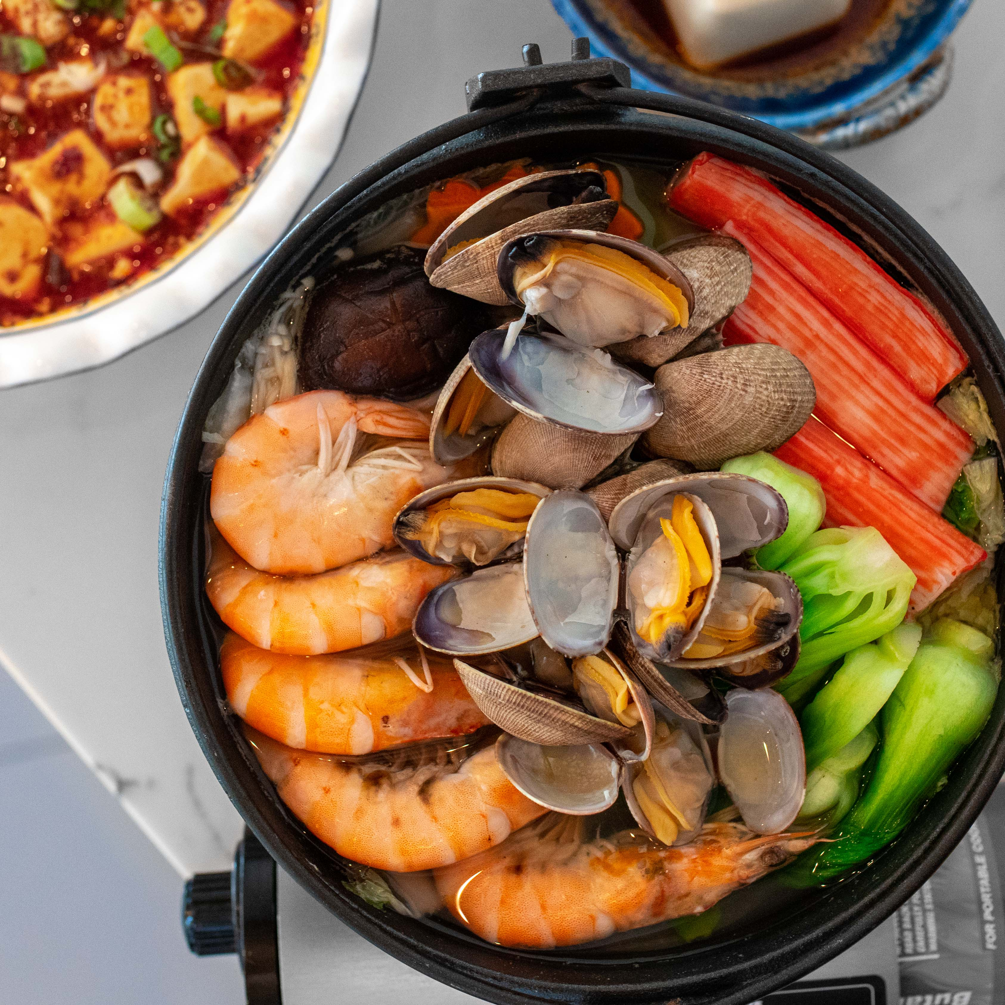 Z & Y Bistro Seafood Hot Pot