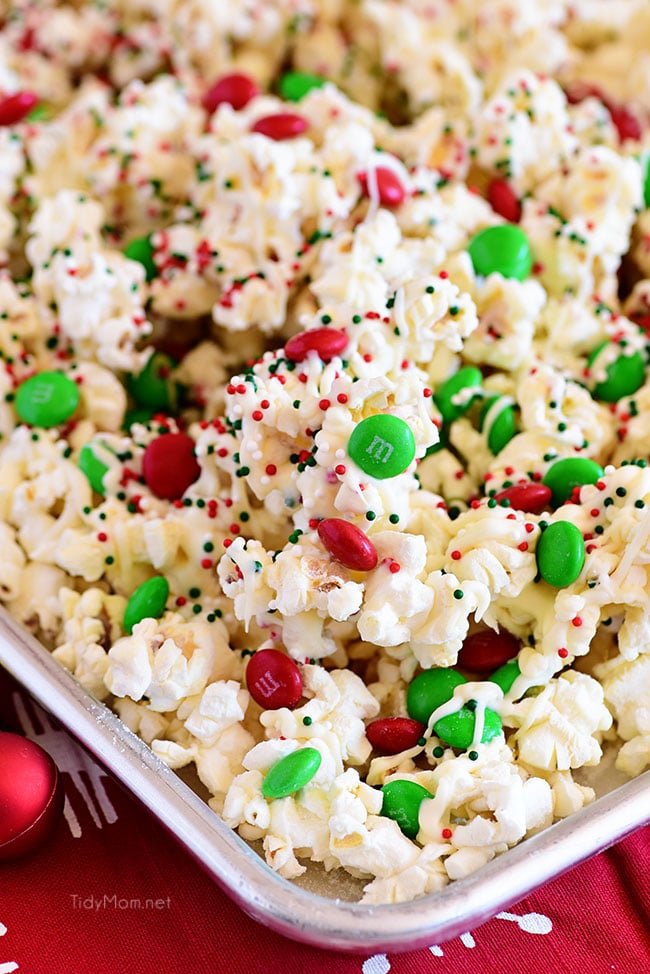 Tidy Mom Santa Munch Christmas Popcorn